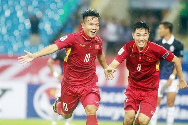 Thanh Trung trong màu áo đội tuyển Việt Nam.