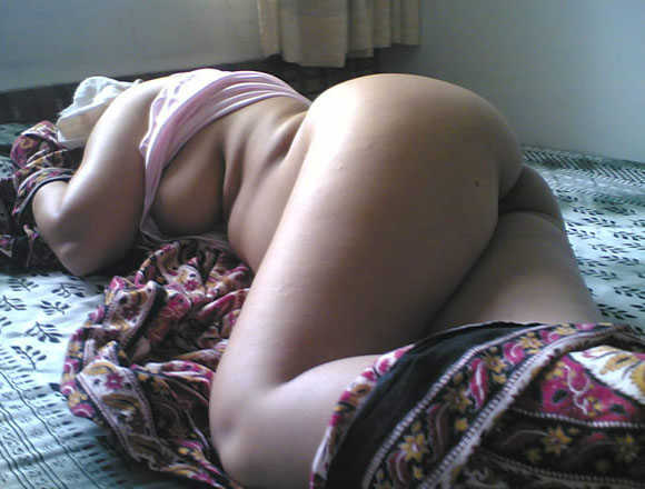 Indian aunty nude gaand photos