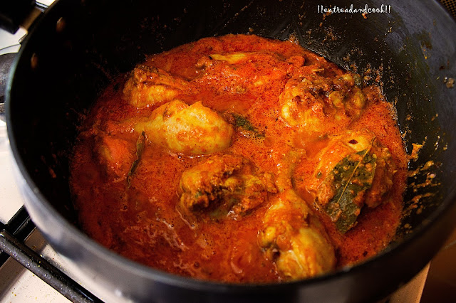 how to make Murgh Lajawab recipe / Chicken Lajawab recipe / chicken in a spicy tomato sauce recipe and preparation with step by step pictures
