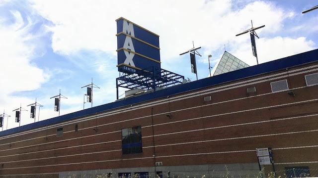 Edificio principal de Max Center