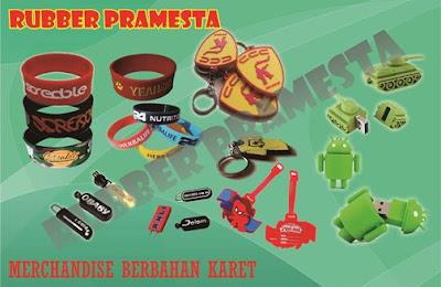 B). Merchandise Berbahan Karet