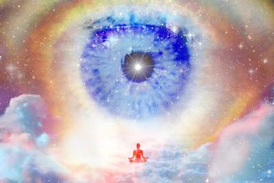 immagine galassia occhio uomo meditazione universo stelle nuvole progetto vajra