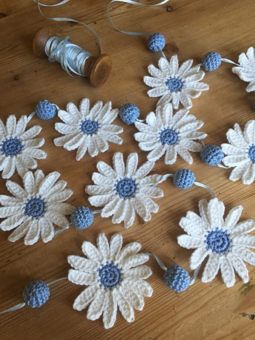 Summer Daisy Garland - Tutorial
