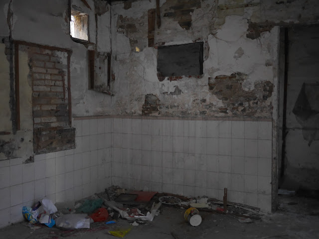inside a dilapidated house in Zhongshan, China