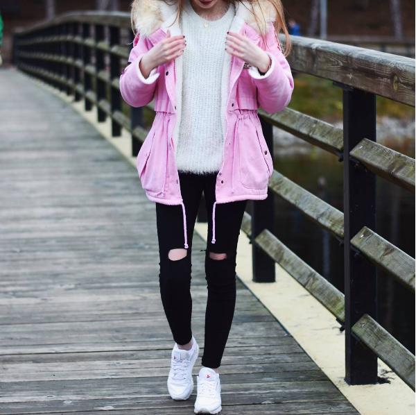 płaszcz różowy na zimę