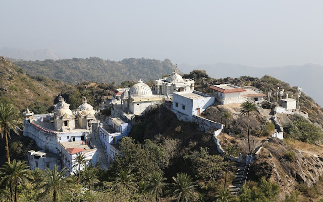 Achalgarh Fort mount abu family package
