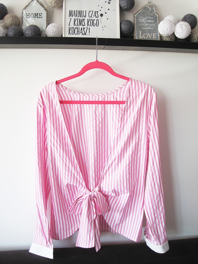 http://www.lovelywholesale.com/wholesale-sexy+round+neck+long+sleeves+striped+backless+pink+cotton+blend+shirts-g146157.html