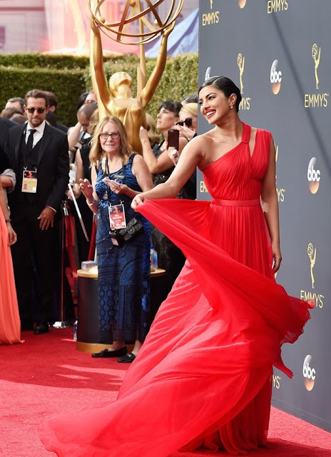 Priyanka Chopra killing us with killer looks at Emmy Awards 2016