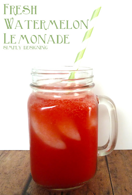 Fresh Watermelon Lemonade - fresh homemade watermelon lemonade! So delicious and so refreshing! Perfect drink for summer! #recipe #drinks #lemonade #watermelon