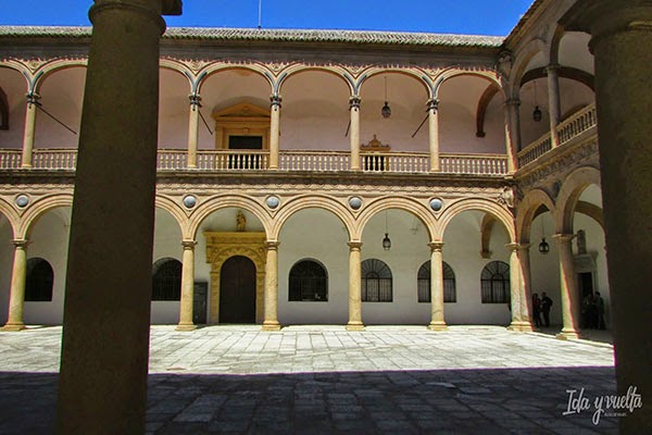 Patio del Hospital de Tavera