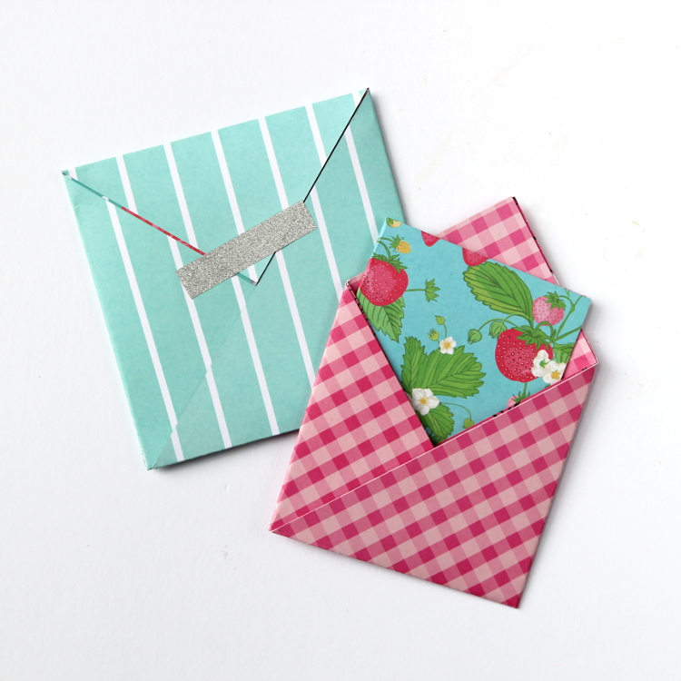 EASY SQUARE ORIGAMI ENVELOPES