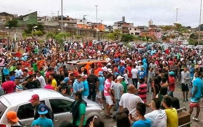 """A politização vergonhosa dos """"rolezinhos"""" pela esquerda e a incitação à guerra de castas no Brasil."""