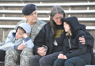 Kembangan Teori Dukungan Keluarga (Family Support) dari Dukungan Sosial (Social Support)