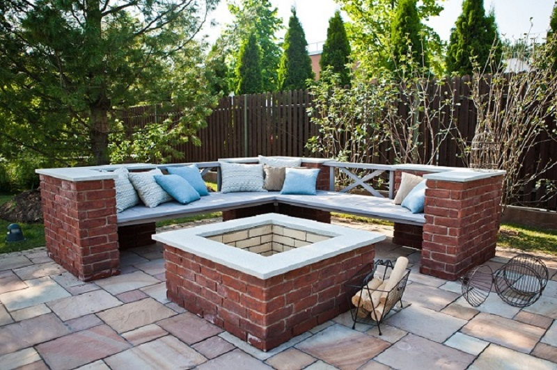 Different Types of Stones That Can Be Matched with Bluestone Pavers