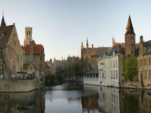 Sebuah kanal di Brugge