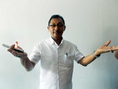 """Ambon, Malukupost.com - Seluruh elemen masyarakat di Kabupaten Maluku Barat Daya (MBD) sangat membutuhkan sosialisasi hukum, sehingga sangat membutuhkan kehadiran institusi penegakan hukum seperti polres, kejaksaan, kodim, maupun lembaga peradilan. """"Yang pasti wilayah mana pun di Indonesia butuh polres, kodim, pengadilan, dan kejaksaan, karena MBD terdiri dari pulau-pulau,"""" kata Bupati MBD, Barnabas Orno di Ambon, Jumat (11/11). Bila berbagai infrastruktur dasar dan kelembagaan yang menyangkut masalah sosialisasi serta penegakan hukum sudah ada di MBD, maka warga yang bermasalah tidak harus pergi jauh ke Kabupaten Maluku Tenggara Barat."""