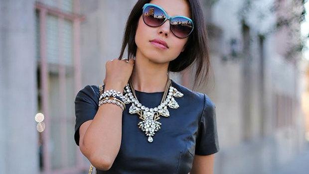 e4f591b0cf85b إن كنت من محبيه فأنت بالتأكيد محظوظة لأن الفستان الأسود يعكس الأناقة  والجاذبية وهذا ما يجعله مناسب أكثر للسهرات والمناسبات الرسمية.