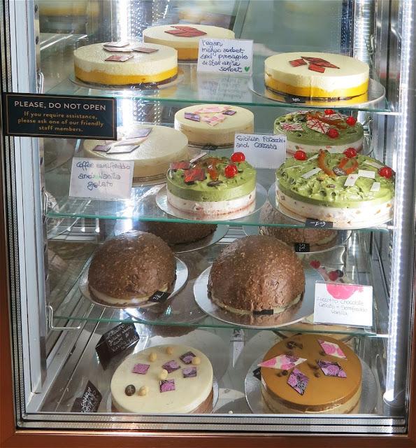 Joylati, cakes
