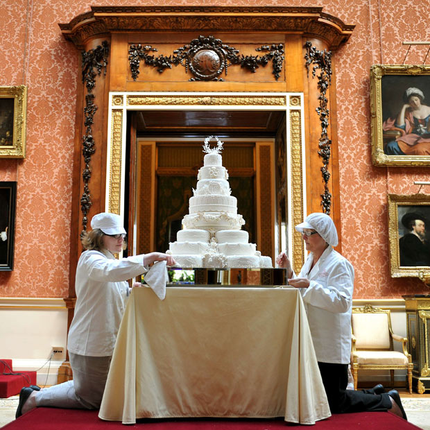 prince william wedding cake believe the royal wedding 18789