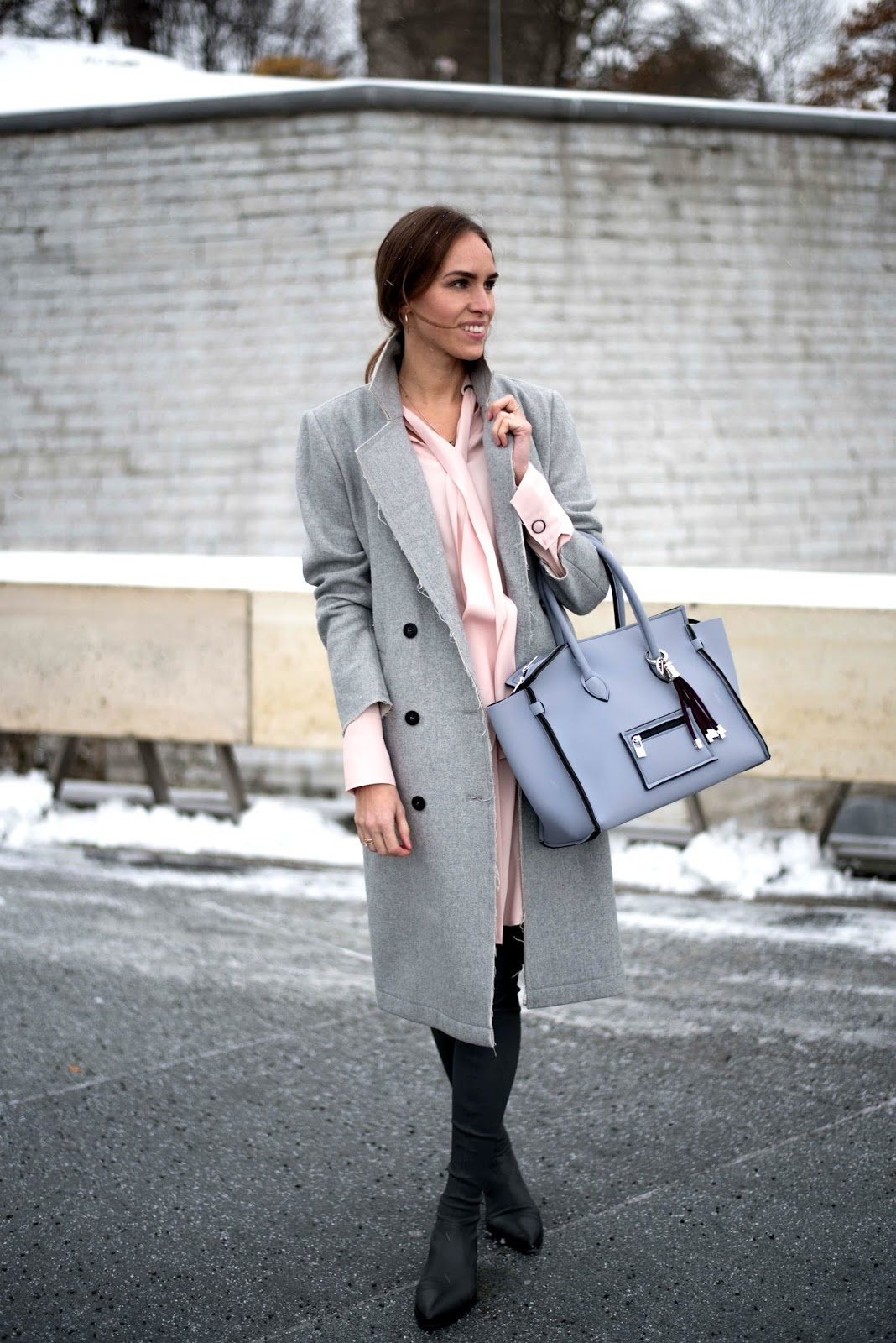 kristjaana mere grey coat spring outfit