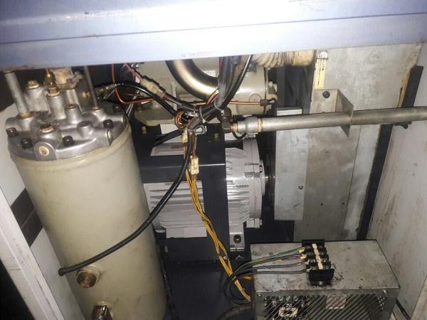 bán máy nén khí trục vít Kobelco đã qua sử dụng Nhật bản