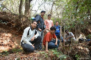 Group photo on the way to Jhari Water Falls