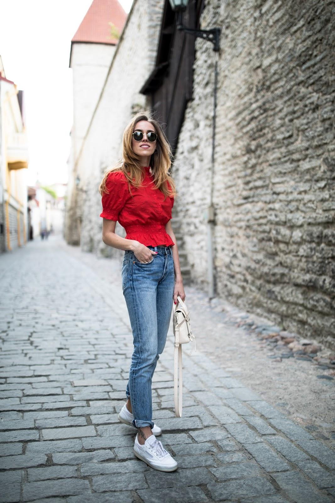 kristjaana-minimalist-jeans-summer-outfit