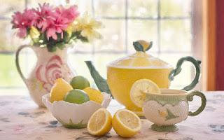 Ingredientes para preparar un zumo de limón depurativo