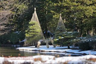 池畔の雪化粧写真