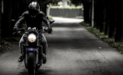 4 Ways to Keep Riders Safe When They are Riding Motorcycles