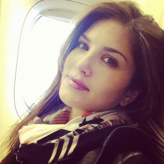 bye bye!! see you guys later!!, Sunny Leone Selfie Images - Latest Hot Real Life Pics of Adult Star Sunny Leone