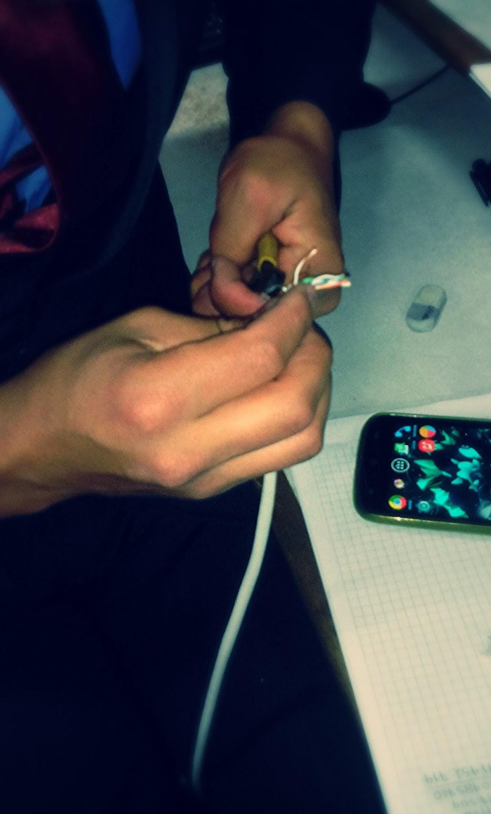 1 describa la forma correcta de hacer un patch cord seg n las normas 568a 568b  [ 966 x 1600 Pixel ]