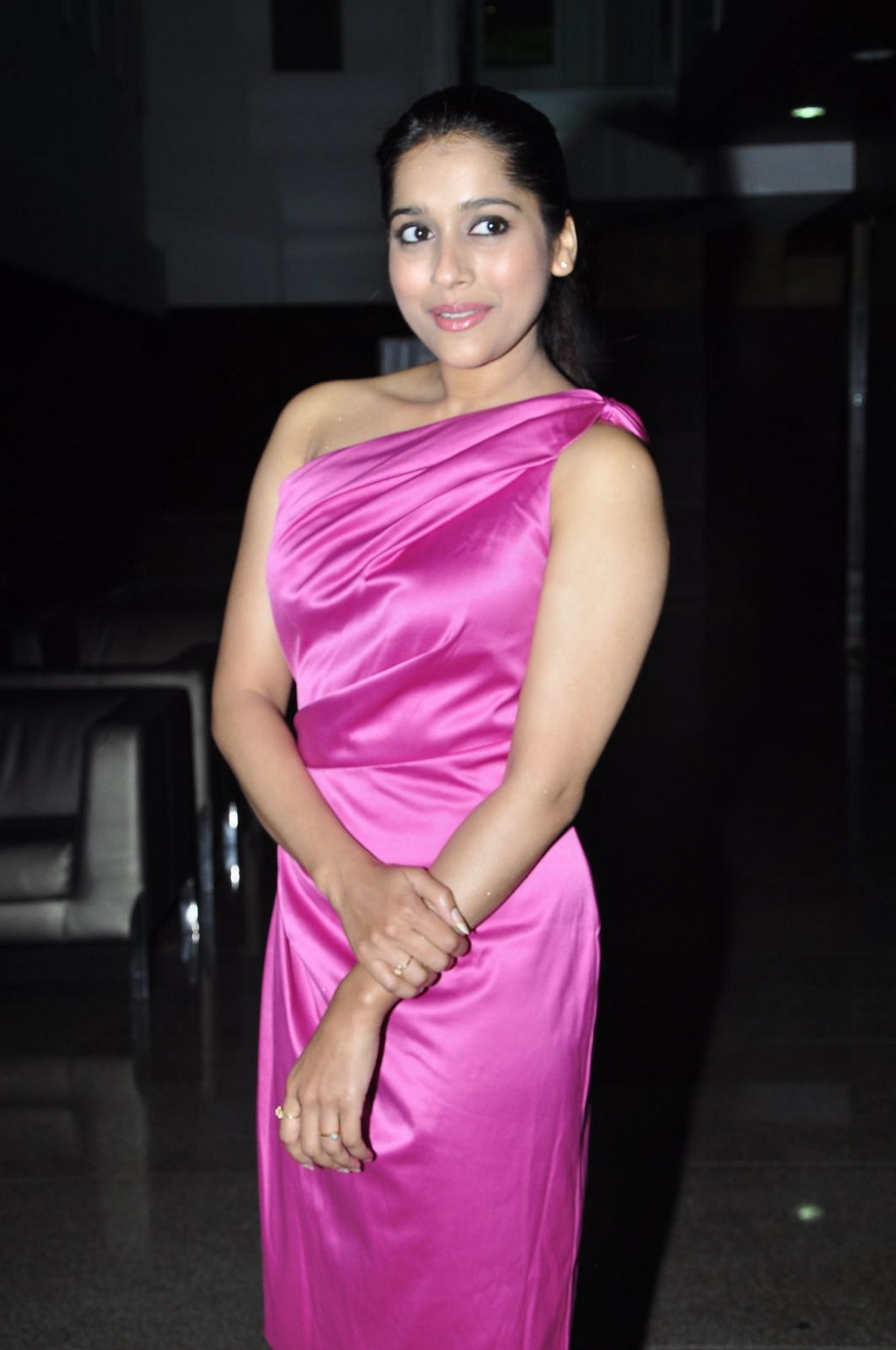 Hot Tollywood Tv Anchor Rashmi Gautam Legs Thighs Show In Pink Dress