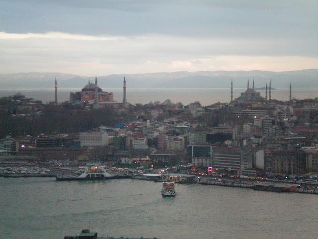 Hagia Sophia y la mezquita Azul desde la torre Gálata
