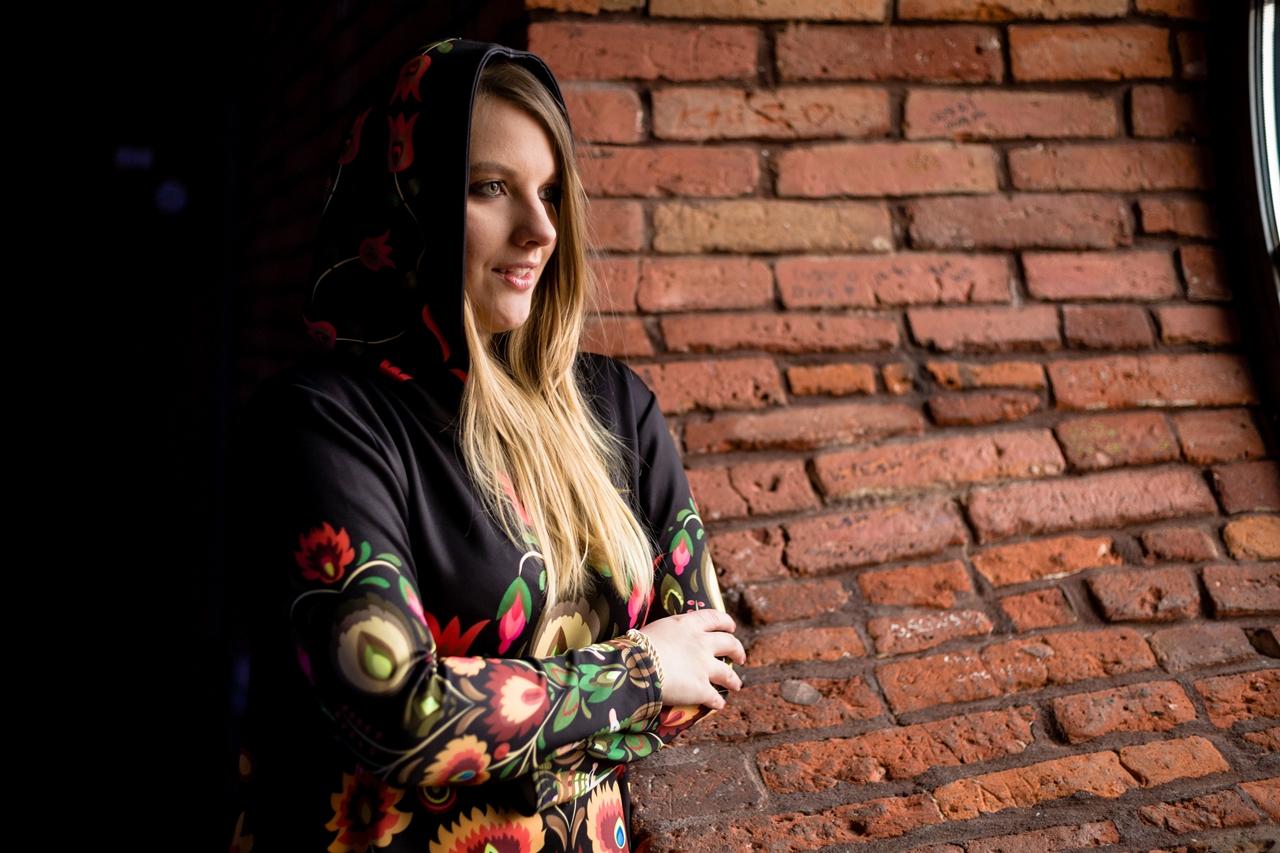 14 folk by koko recenzje opinie jakość sukienka bluza z motywem łowickim kodra folkowe ubrania motywy eleganckie folkowe dodatki kodra łowicka góralskie róże stylizacja polska blogerka łódź moda melodylaniella