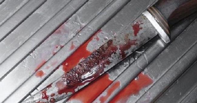 Σοκ στα Καμίνια: 14χρονη μαχαίρωσε τη μητέρα της στον ύπνο της