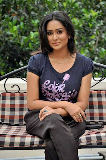 Zakia Bari Momo BD Actress Set Down