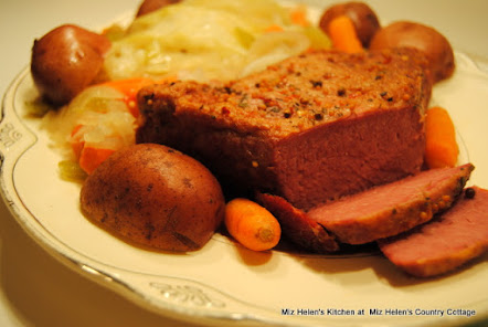 Slow Cooker Corned Beef & Vegetables