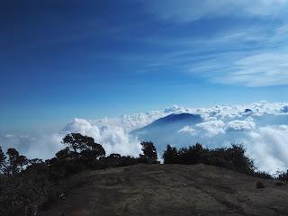 Persiapan Mendaki Gunung untuk Pemula - Perlengkapan dan Peralatan yang harus dibawa
