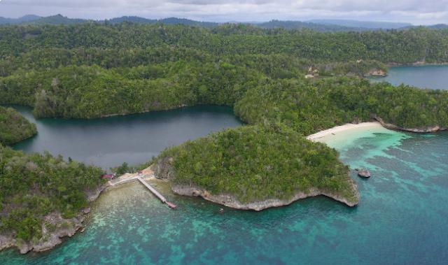 Danau Mariona, Togean, Sulawesi Tengah