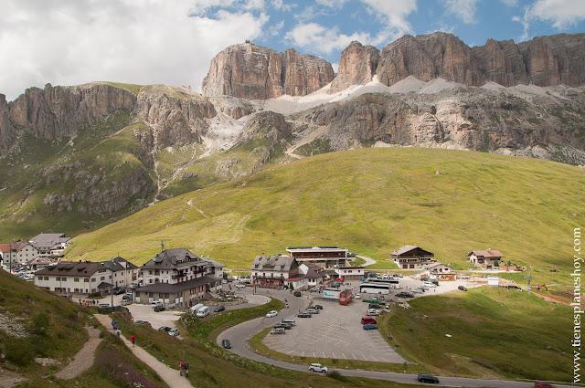 Passo di Pordoi Italia Dolomitas senderismo