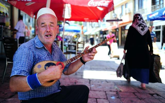 Περίγελως των Βαλκανίων η Ελλάδα – χλευάζουν Αλβανοί και Σκοπιανοί