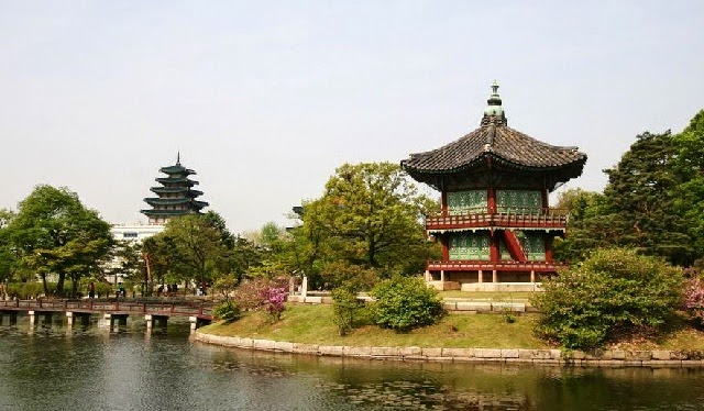 Korean Garden: Combination of the Nature and Landscaping Technique picture