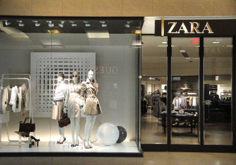 d50264b30b865 ABC News and bloggers alike were up in XXL arms this past week about  world s largest retailer Zara. In a NY Times article about the Spanish  company