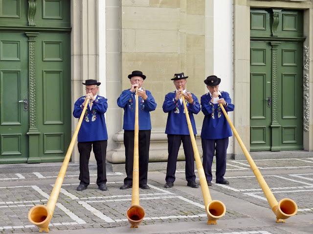 Músicos de Alphorn - Lucerna, por El Guisante Verde Project