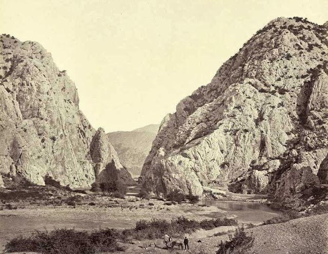 Demir Kapi view from inside the gorge October 1863 02 - Macedonia in 1863 - Photo Collection of Josef Székely