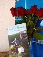 https://www.randomhouse.de/Taschenbuch/Mit-dem-Kuehlschrank-durch-Irland/Tony-Hawks/Goldmann-TB/e56952.rhd#info