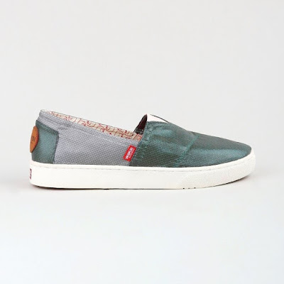 Wakai Women Hashigo Navy Grey