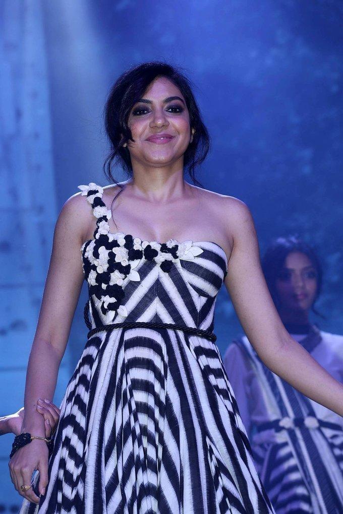 Actress Ritu Varma at Woven 2017 Fashion Show Photos