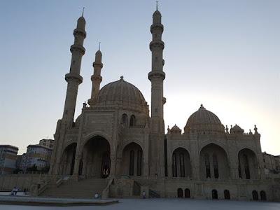 Mezquita Heydar, en Bakú
